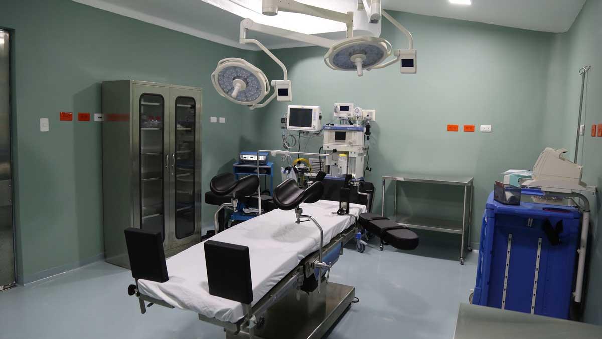 Danilo Medina entrega hospital, estancia infantil y edificio Infotep en Santiago