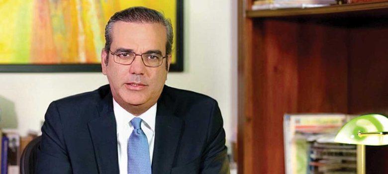Abinader favorece acuerdo para aumentar sueldos y aboga por incremento 30%