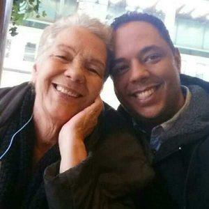 Montecristi: Sepultan restos de piloto y su madre
