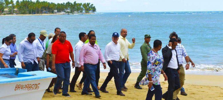 Domínguez Brito instruye rescate de playas en Samaná