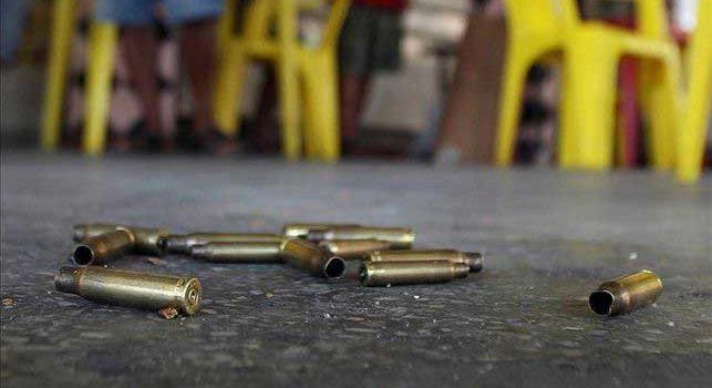 Un muerto y seis heridos resultado balacera colmado Moca