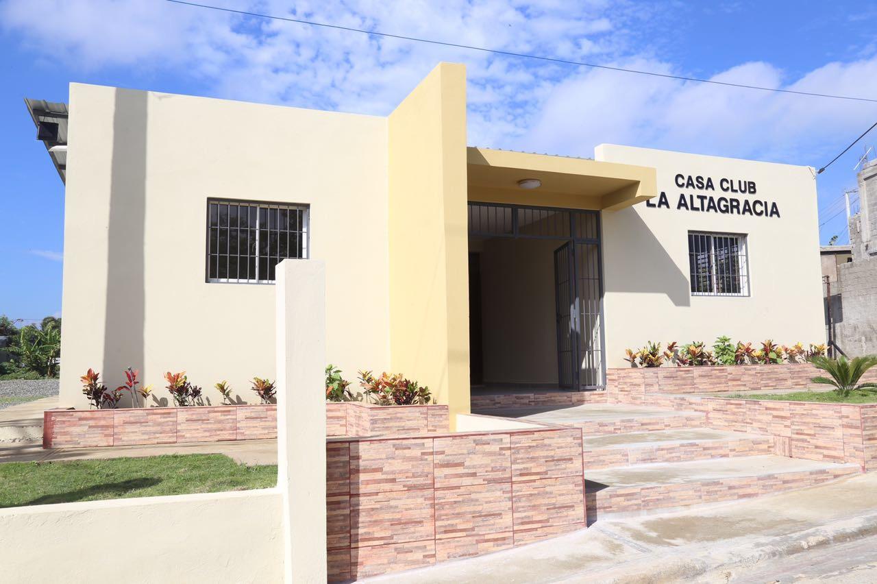 casa club,la altagracia,inaugurada por abel martinez