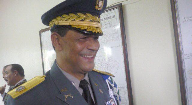 Confirman al general Hernández Vásquez en Santiago