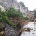 Pared cementerio 30 de Marzo colapsa por las lluvias