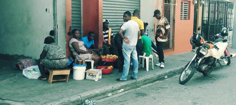 Vendedores haitianos regresan a las calles de Santiago