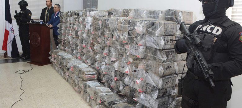 Decomisan 1,600 kilos de cocaína