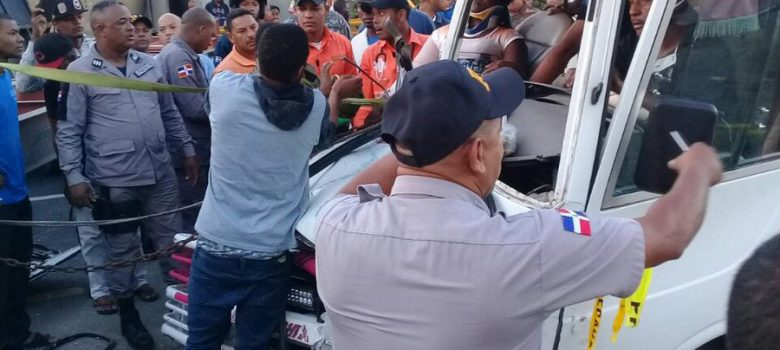 Seis heridos accidente autopista 6 de Noviembre