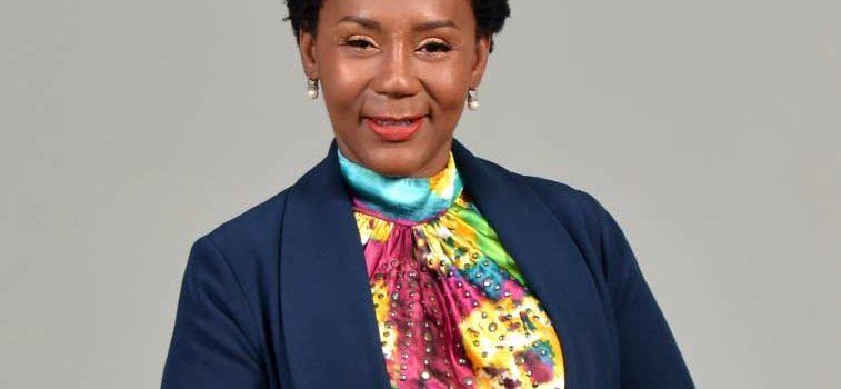 Periodista Gisela Mera presenta su espacio digital