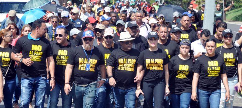 El Torito, Héctor Acosta, pide cese cobro reinscripción colegios y universidades