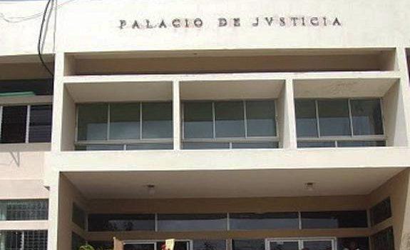 Jueces condenan a 11 hombres por asesinato de viceministro y su hijo