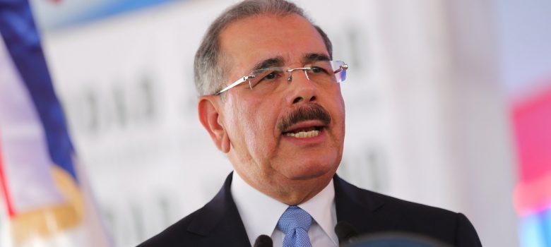Medina encabezará dos actividades este martes en Santiago