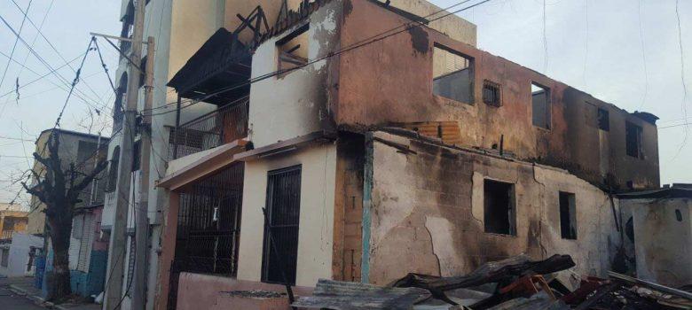 Fuego destruye varias viviendas en Pueblo Nuevo