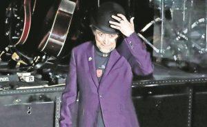 Hospitalizado en Madrid el cantautor Joaquín Sabina