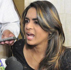 Deyanira López sigue ingresada en el HOMS