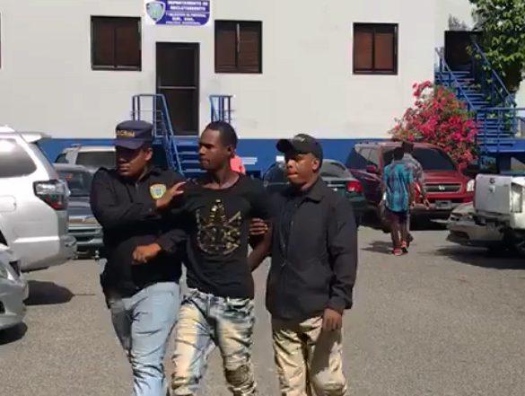 Juez dicta 12 meses prisión preventiva asesino joyería El Conde