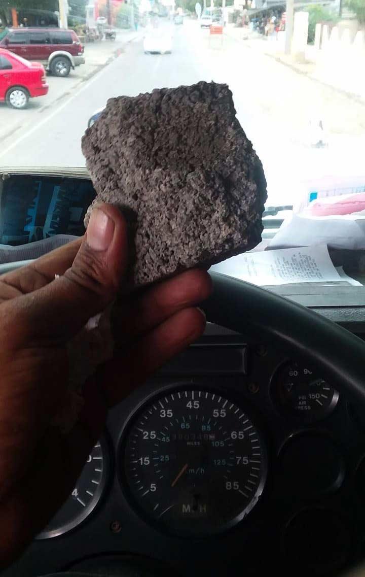 Cuatro detenidos por lanzar piedra a vehículos en Bonao