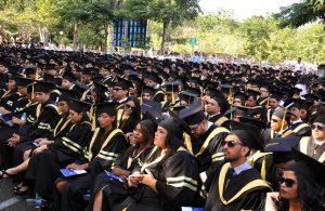 Santiago: PUCMM gradúa 1,237 nuevos profesionales