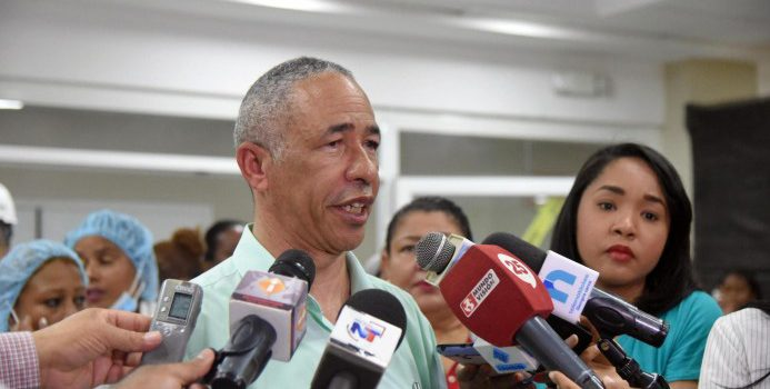 Enfermeras paralizan hospital Napier Díaz