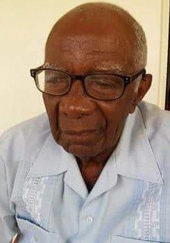 Invitan al último rezo del novenario en memoria del padre del periodista Bienvenido Scharboy