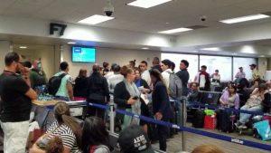 Vuelo JetBlue arribaría a Santiago presenta fallas mecánica