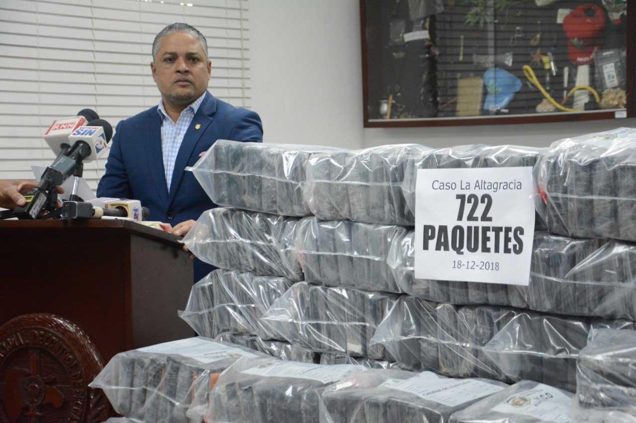 Decomisan 722 paquetes de cocaína en Boca de Yuma