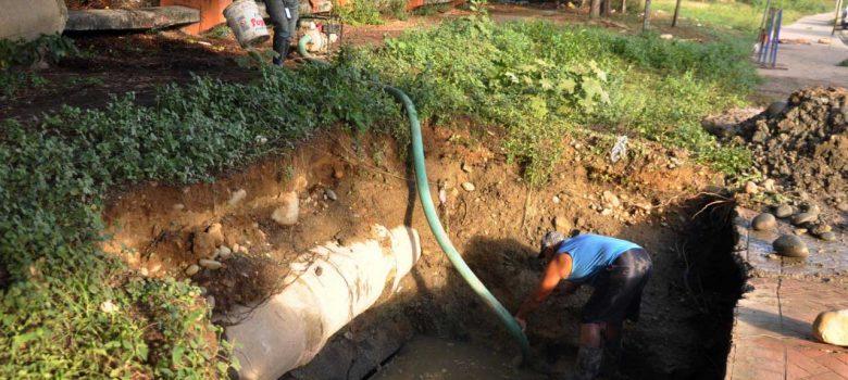 Avería deja sin servicio de agua varios sectores de Santiago