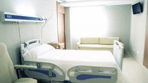 Paciente se suicida en habitación de clínica en Santiago