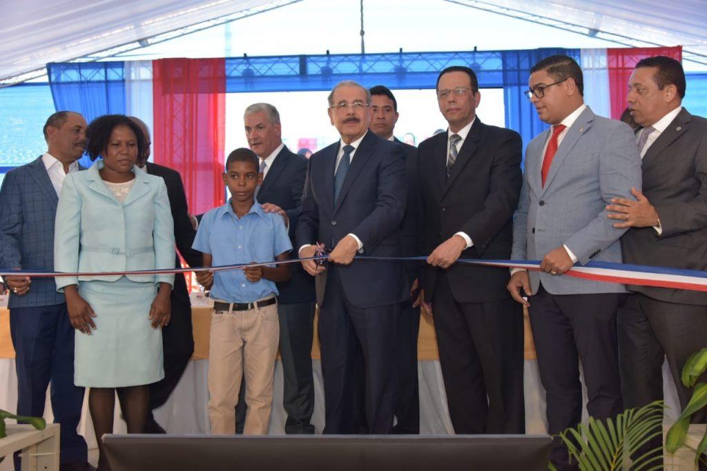 El presidente Danilo Medina entrega tres nuevos centros educativos en San Cristóbal