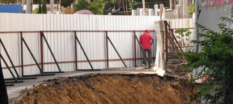 Viabilizan tránsito calle Bisonó Toribio donde ocurrió derrumbe