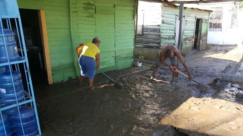 Una 80 viviendas inundadas en La Canela por las lluvias