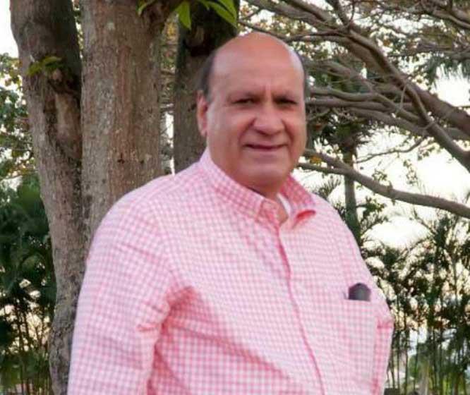 Sepultan restos exgobernador Ramón Gómez