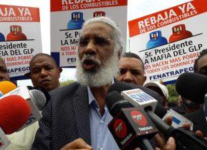 Juan Hubieres presenta querella contra ministro y exministro Industria