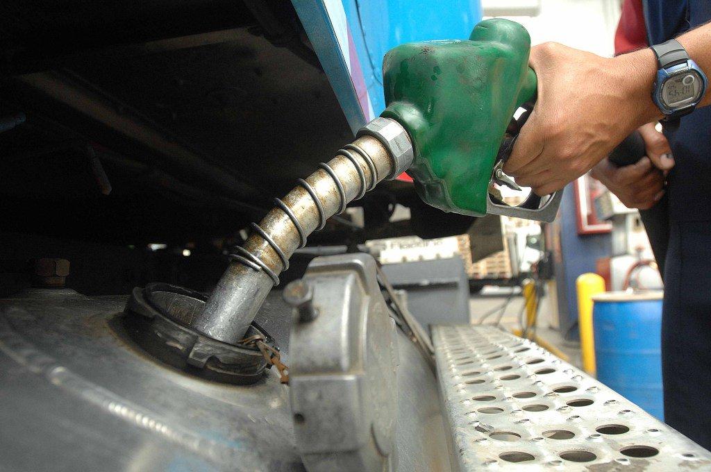 Bajan los combustibles por séptima semana consecutiva