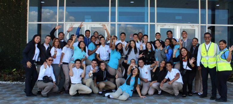 estudiantes aeropuerto cibao