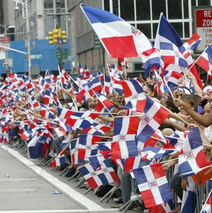 Dominicanos en EE.UU. se beneficiarán con nuevo paquete económico | El Sol  de Santiago