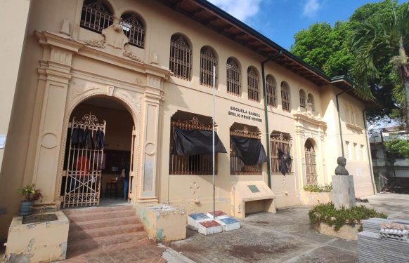 Educación buscará terminar escuela de Santiago